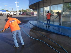 Mile High Mobile Wash: Fleet Washing, Pressure Washing and Graffiti Removal in Aurora. Call today - (303) 330-8748